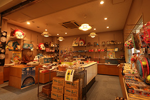 お土産処「磯魚屋(いさなや)」